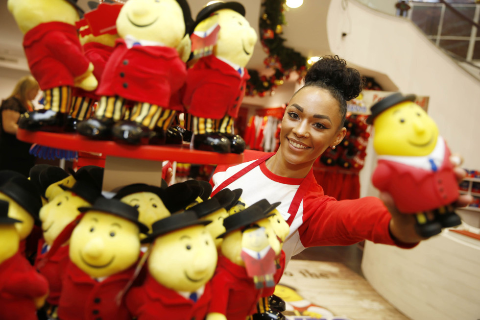 No Repro Free: Friday 4th November 2016. The Tayto Pop Up Shop is on the move once more and this time it's going festive! This Christmas Mr. Tayto is delighted to announce that he is opening the doors to his very own Tayto Crispmas Workshop in the iconic Arnotts Christmas Windows.The Pop Up Crispmas Workshop will be located in the Arnotts Christmas windows on Henry Street and Arnotts Festive Flavours Market in the Lower Basement. The window design has been inspired by Santa's workshop in the North Pole and has been custom furnished and decorated to Mr. Tayto's high standard. The window will have the much loved and original, Tayto Crispmas Sandwich, in 4 different Tayto-tastic flavours; The Cheese and Onion Crispmas Classic, The Salt and Vinegar Santa Sambo, The Smokey Bacon Bells Buttie and the Prawn Cocktail Tinsel Treat! Not only that but, exclusive Tayto Gift Boxes, bags and advent calendars are also available.Stuck for some great Crispmas present or Krisp Kindle ideas? Tayto's Christmas Shop located downstairs in Arnotts, is a one-stop-shop for everything Tayto-related, including Crispmas Tayto merchandise, a personalised gift service to make that present extra special as well as gift vouchers and family passes to Ireland's most- loved theme park and zoo – Tayto Park.The dapper man in the hat and the originator of the crisp sandwich will also be on hand to soak up some festive fun and will be making appearances every weekend on the run up to Christmas.All things #ArnottsTaytoCrispmas will be in Arnottsfrom the 5th of November until first week in JanuaryPhoto shows Louise Clarke from Walkinstown at Arnotts today. Jason Clarke Photography.
