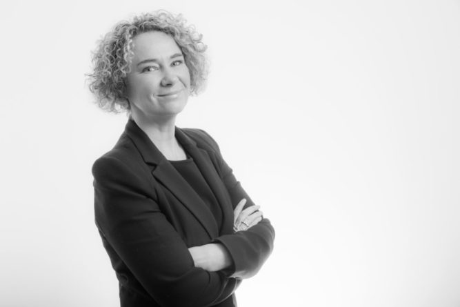 Caroline Reynolds, Communicorp
